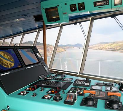 Refit of the navigation bridge on MS Noordam